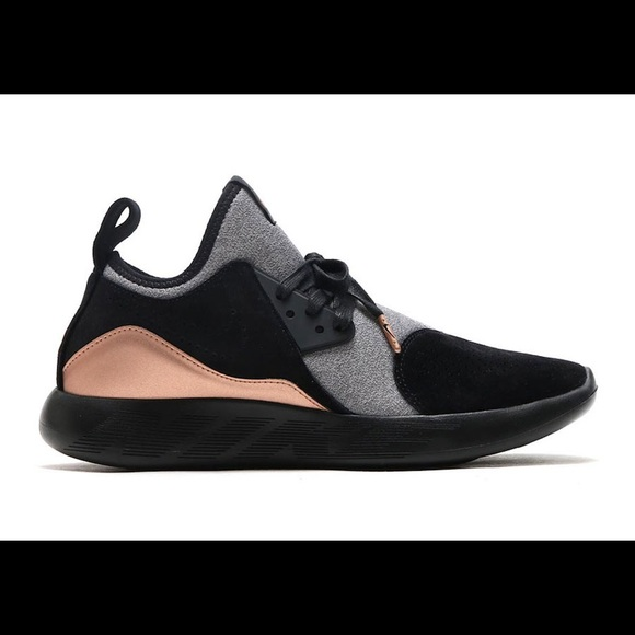 le scarpe nike rari lunarcharge premio poshmark